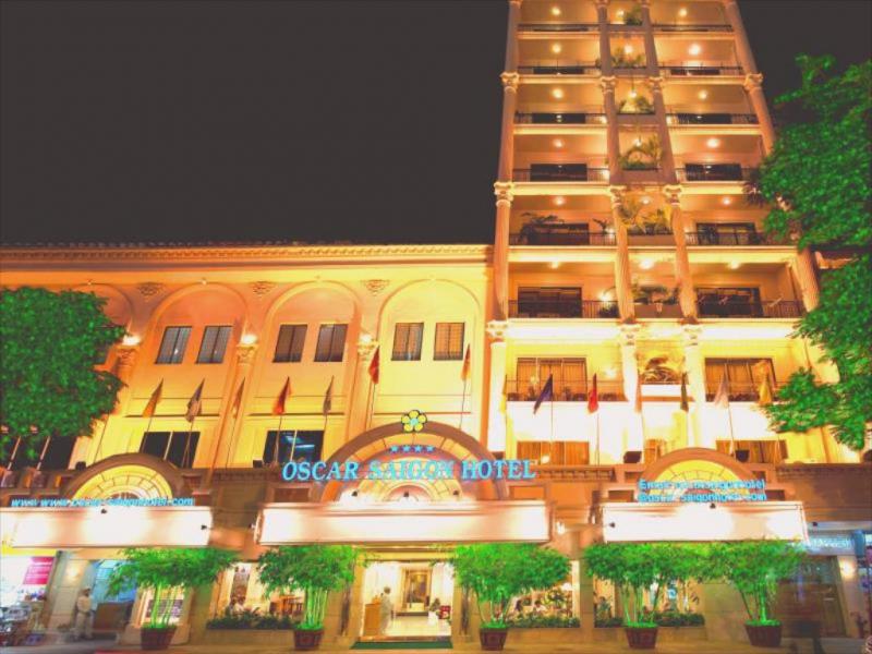 Buffet Oscar Saigon Hotel